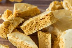 Homemade Honeycomb Candy - - Honeycomb is a crunchy, airy candy with a sweet honey flavor. Note: Total time required is 1 hour and 15 minutes. Yields one pan. From Joanne Ozug of Fifteen Spatulas. Honeycomb Candy, Honeycomb Recipe, How To Make Honeycomb, Just Desserts, Dessert Recipes, Irish Desserts, Dessert Bread, Homemade Candies, Snacks
