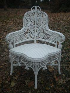 Superbe Beautiful Wicker Chair