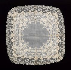"Handkerchief - ""overall design combines complex motifs and embroidery stitches with high-quality lace"" Date: Culture: probably French Medium: cotton, linen Dimensions: 19 x 19 in. Hairpin Lace Crochet, Crochet Motif, Crochet Edgings, Crochet Shawl, Needle Lace, Bobbin Lace, Antique Lace, Vintage Lace, Vintage Handkerchiefs"