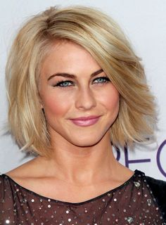 Julianne Hough's Short, Straight, Blonde, Romantic Hairstyle  how to!