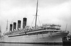 The RMS Mauretania looked especially beautiful when painted white for tropical cruising. Titanic Model, Rms Mauretania, Hms Hood, Titanic Ship, Nautical Lighting, Ship Of The Line, Beyond The Sea, Submarines, Sailing