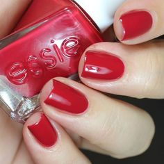 """essie gel couture """"bubbles only"""""""