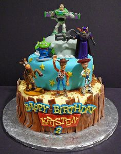 Toy Story cake. I don't care if I will be 30 this year, I want this as MY birthday cake! Lol