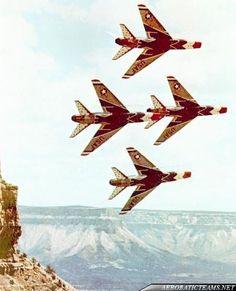 Thunderbirds F-100 Super Sabre Gallery | Planes, trains, automobiles ...