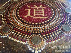 abstract dot art painting MONEY FLOW NO9 Tessa Smits #mandala #dots #art #painting #TAO #chinese #symbol #copper #gold #moneyflow #coins