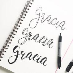 """Biblia Creativa en Instagram: """"Esta es una de las formas más sencillas de dibujar caligrafía. La idea es crear una línea más gruesa en la parte que baja y una más fina en…"""""""