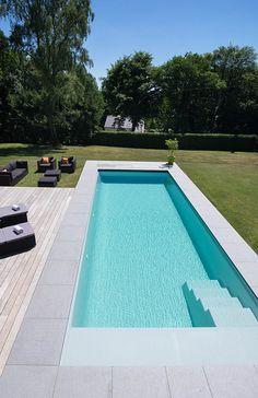 Swimming Pools Backyard, Pool Decks, Pool Landscaping, Modern Pool House, Kleiner Pool Design, Simple Pool, Moderne Pools, Small Pool Design, Pool Steps
