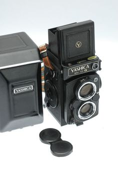 Yashica-Mat 124G 6x6 120 Medium Format TLR with Original Case - **SUPERB**