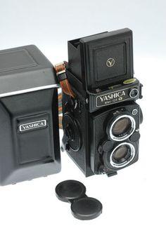 Yashica-Mat 124G 6x6 120 Medium Format TLR with Original Case - **SUPERB**