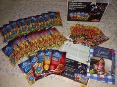 #buzzvegeta Cu ceva intarziere am primit si eu coletul de la BUZZStore ce contine condimentele lichide pentru marinare de la Vegeta Romania. Yeeei!!!!  Coletul contine urmatoarele: -1 set de 5 plicuri Vegeta condimente lichide pentru marinat pentru mine -1 set de 2X plicuri Vegeta condimente lichide pentru marinat pentru 10 prieteni -materiale promotionale informative aferente campaniei pentru prieteni si o carte cu retete pentru mine. Urmeaza bucuria testarii produselor.