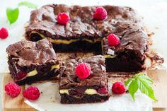 Raspberry Cream Cheese Brownies (blueberry, or blackberry, or... Nom, nom, nom)