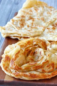 10 Most Misleading Foods That We Imagined Were Being Nutritious! How To Make Roti Canai El Mundo Eats Roti Canai Recipe, Naan Recipe, Roti Prata Recipe, Roti Recipe Indian, Roti Recipe Easy, Unleavened Bread Recipe, Indian Food Recipes, Vegetarian Recipes, Gastronomia