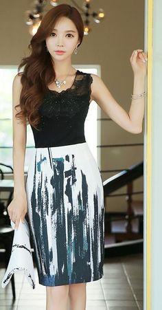 StyleOnme_Paint Stroke Print High Waisted Pencil Skirt #koreanfashion #elegant…