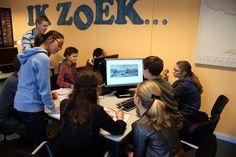Schoolbezoek: leerlingen onderzoeken de Gouden Eeuw.