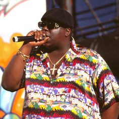 Hip-hop royalty headed to social media to honor the life of the Notorious B.I.G. on March the anniversary of the rap legend's death. 2pac And Biggie, Faith Evans, Hip Hop Songs, Biggie Smalls, Best Rapper, Black Celebrities, Rap Music, Music Songs, Jay Z
