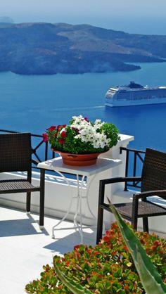 Fira, Santorini , Greece
