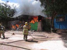 Incendio causa daños totales en 2 casas en Nogales