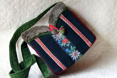 Love am Berg Bag by Jaegerin on Etsy