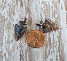 These little arrow head charms are really cute! Each small antiqued copper arrow head is only 24mm by 15mm in size. They would make adorable