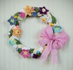 PATTERN    Free Universal Yarn Pattern : Spring Wreath by Edie Eckman