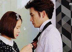 Картинка с тегом «gif, ji sung, and kill me heal me Hwang Jung Eum, Best Kdrama, Drama Gif, Drama Tv Series, Doctor Johns, Moon Lovers, Romantic Moments, 1 Girl, Ji Sung