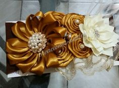 Tiara oro y beige !!