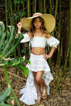Preteen Girls Fashion, Young Girl Fashion, Teen Girl Outfits, Kids Fashion, Cute Girl Dresses, Little Girl Dresses, Beautiful Little Girls, Cute Little Girls, Little Girl Models