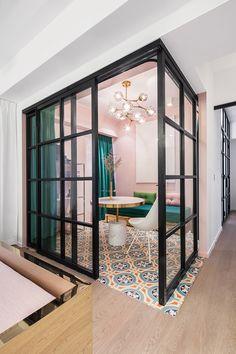 Bright Apartment, Cozy Apartment, Bedroom Apartment, Salon Interior Design, Residential Interior Design, Interior Doors, Interior Design Hong Kong, Beauty Salon Interior, Interior Garden