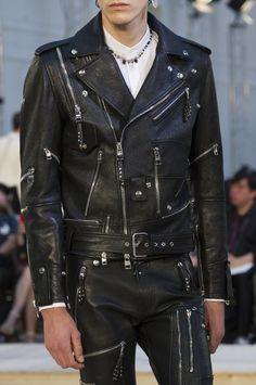 Alexander McQueen Spring 2018 Men's Fashion Show Details