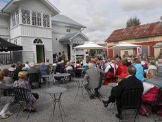 Kauhajoelle @Kauhajoelle  ·  11. elokuuta 2013 Kauhajoen päivä ja #Kotiseututalo n vihkiäiset. Upea sää, tunnelma ja ohjelma. #Kauhajoki #KauhajokiSeura