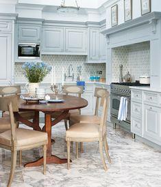 Grey Kitchens, Cool Kitchens, Tuscan Kitchens, Luxury Kitchens, Layout Design, White Farmhouse Sink, Country Farmhouse, Loft, Kitchen Trends