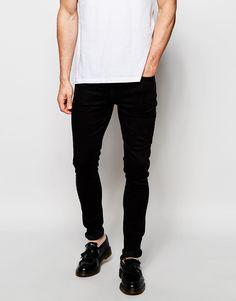 Jeans von Hoxton Denim Stretch-Denim Reißverschluss Fünf-Taschen-Stil supereng - nah am Körper geschnitten Maschinenwäsche 98% Baumwolle, 2% Elastan Model trägt 32 Zoll/81 cm Normalgröße und ist 188 cm/6 Fuß 2 Zoll groß