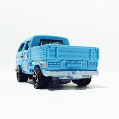 @matchboxworld VW Transporter Crew Cab  #fromthepegs #liveandletdiecast #LaLD #mbx #matchbox #vw #vdub #volkswagen #toypics #toycrew