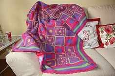 Shades of pinks and purples surely do make this a beautiful #crocheted throw. The design is fabulously done.