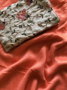 Peach soft raw silk saree with rich Designer work blouse Silk Kurti Designs, Cotton Saree Designs, Saree Blouse Designs, Peach Color Saree, Peach Saree, Peach Colour Combinations, Fabric Combinations, Trendy Sarees, Stylish Sarees