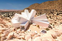 Check out This Amazing Joshua Tree Home Made out of Shipping Containers | Unrated