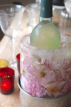 Fresh flower ice ring for wine bottle
