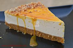 Tort cu blat de biscuiti si crema de iaurt si caramel - CAIETUL CU RETETE