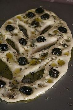 Fougasse with black olives and oregano - Passion culinaire by Minouchka Tapas, Cooking Time, Cooking Recipes, Vegetarian Recipes, Bread And Pastries, Deep Dish, Food Porn, Brunch, Food And Drink