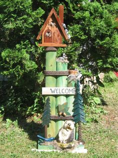 Items similar to Birdhouse yard art on Etsy Landscape Timber Crafts, Landscape Timbers, Diy Projects To Try, Garden Projects, Solar Light Crafts, Solar Lights, Solar Lanterns, Diy Solar, Outdoor Crafts