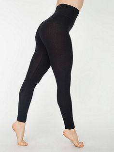 Fitted, tapered leggings featuring our high-waist waistband for maximum comfort. A great layer piece.