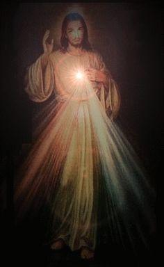 Jesus brings the light to the darkness Miséricorde Divine, Divine Mercy Image, Jesus Christ Painting, Image Jesus, Spiritual Pictures, Jesus Our Savior, Pictures Of Jesus Christ, Lady Of Fatima, Bride Of Christ