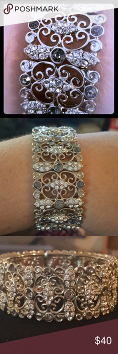 Flawless Bracelet Antique Matted Silver Platted. Crystaled Design Premier Designs Jewelry Bracelets