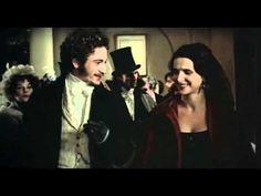 Bande-annonce Les enfants du siècle - YouTube Film de Diane Kurys.Vers 1830, Aurore Dupin, baronne Dudevant, se fait connaître comme femme de lettres, sous le nom de George Sand. Ses écrits féministes et subversifs font scandale dans le petit monde littéraire parisien. Un soir, à l'occasion d'un dîner mondain, elle fait la connaissance du poète Alfred de Musset. Il a six ans de moins qu'elle, et aucun d'eux ne croit plus à l'amour. Pourtant ils entament une relation passionnée.