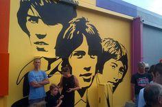 Mural in Bee Gee Way