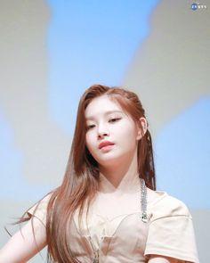 Kpop Girl Groups, Korean Girl Groups, Kpop Girls, My Princess, Ulzzang Girl, New Girl, South Korean Girls, Idol, Celebrities