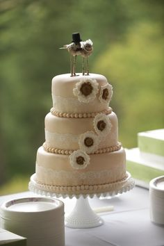Vintage lace cake and love bird cake topper.