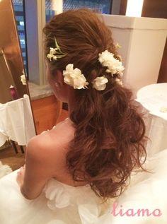 外人風オールバックダウン♡オシャレなお2人のウェディング の画像 大人可愛いブライダルヘアメイク『tiamo』の結婚カタログ