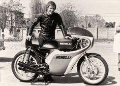 Jarno Saarinen presenting the Benelli 250 cc 4 cylinder.