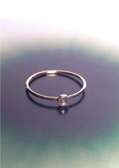 pønt duality - 18 karat guldring med diamant hos Hennyandmy.dk, 2.000,-